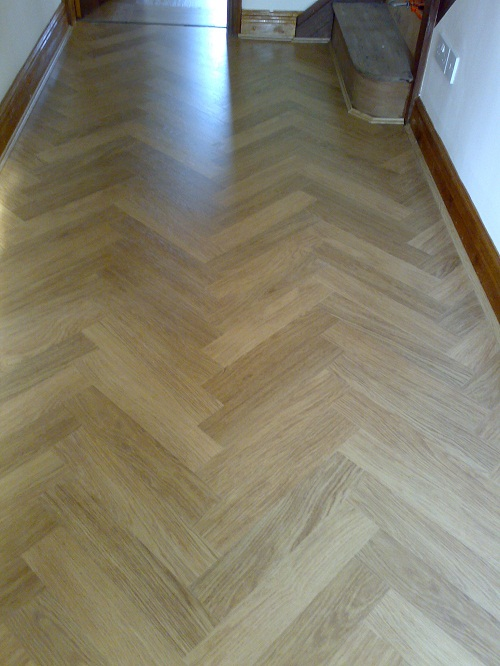 Laminate flooring porcelain laminate flooring for Ceramic laminate flooring